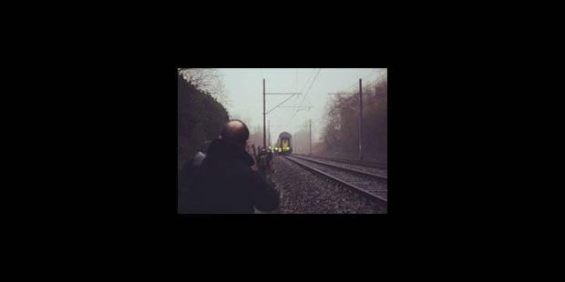 Trois wagons se détachent d'un train en route - La Libre