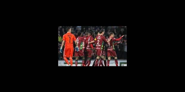 Zulte-Waregem bat Anderlecht et prend la première place (2-1)
