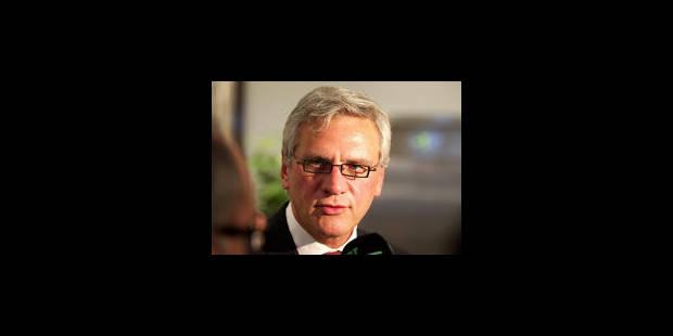 Peeters appelle Di Rupo à réduire les coûts salariaux - La Libre