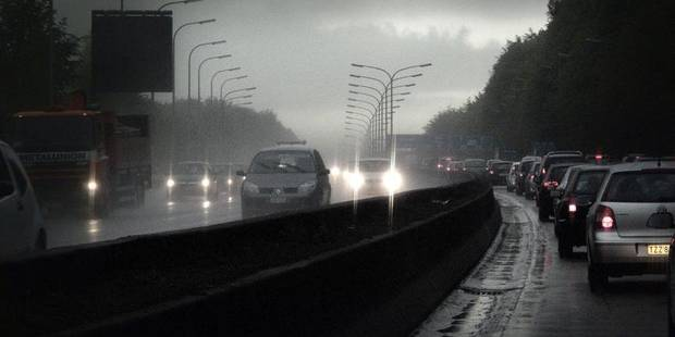 Belgium, Brussels, 2010 - Traffic E 411 highway early in the morning Pict by Eric Herchaft © Reporters