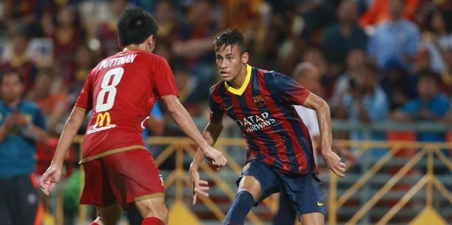 """Premier but """"barcelonais"""" de Neymar face à la Thaïlande"""