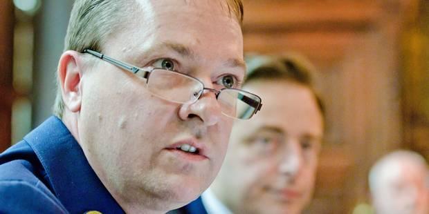 Une plainte déposée contre le chef de la police d'Anvers - La Libre