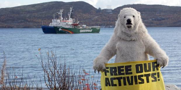 """Les militants de Greenpeace ne sont """"pas des pirates"""" mais ont enfreint la loi - La Libre"""