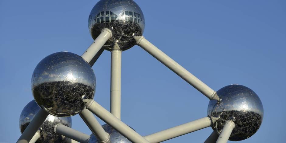 """L'Atomium nomme la sphère de base """"Sphère François Englert"""""""
