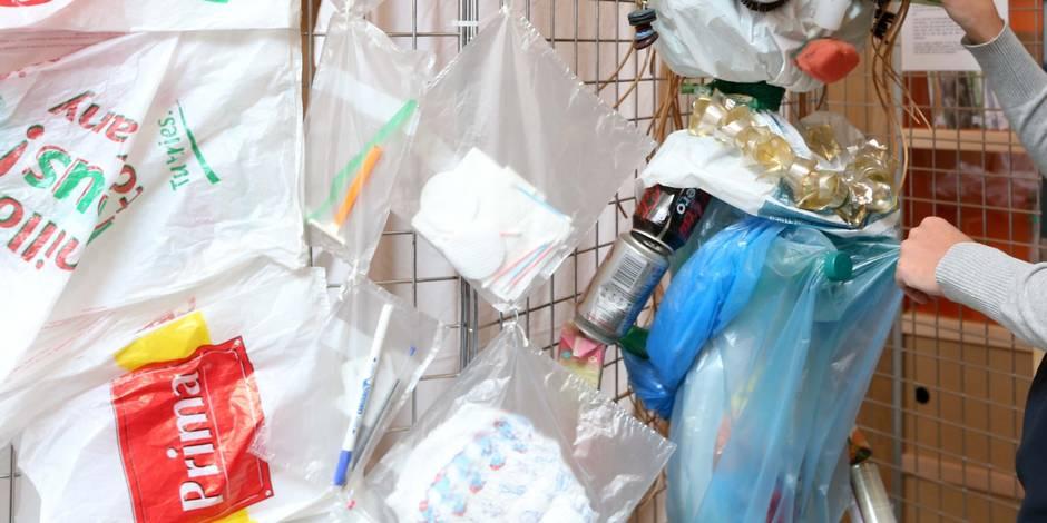 La Commission européenne fait la chasse aux sacs plastiques