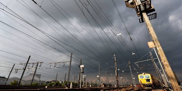 Décès sur la voie Bruxelles-Schuman et Ottignies: du retard pour les trains - La Libre