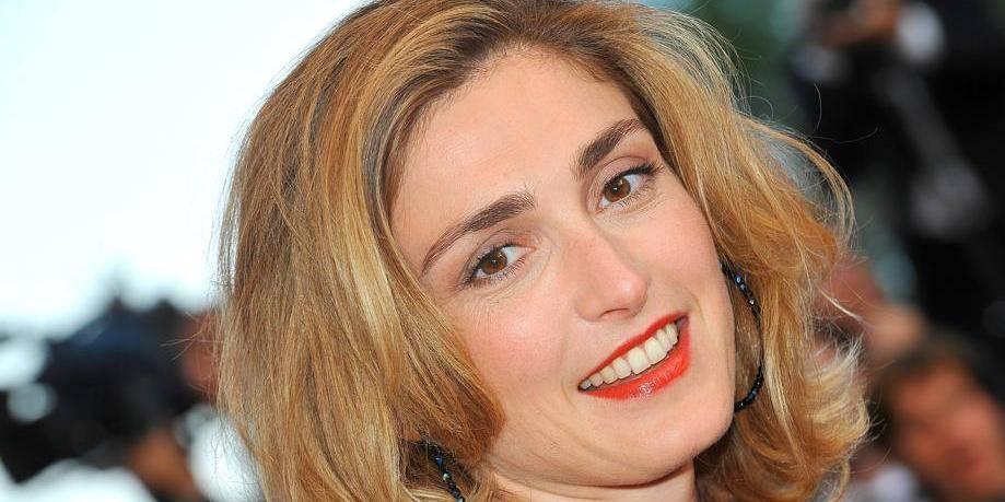 Villa Médicis : Julie Gayet finalement écartée