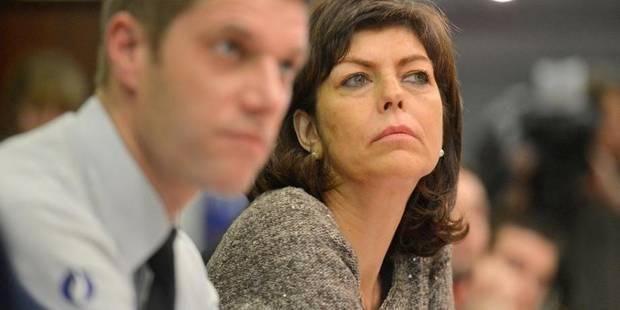 Pécule de vacances des policiers: Milquet propose que le fédéral assume les 48 millions - La Libre