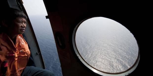Vol MH370: les recherches s'étendent à l'ouest, la Malaisie sous le feu des critiques - La Libre