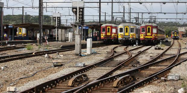Obus découverts à Ottignies : reprise du trafic ferroviaire - La Libre