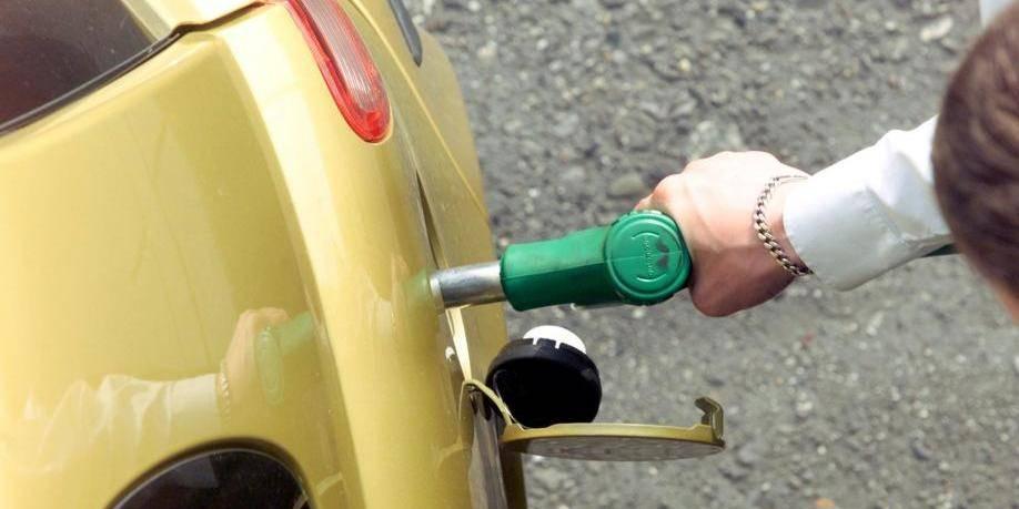 Les sociétés pétrolières paient trop cher les analyses de carburant