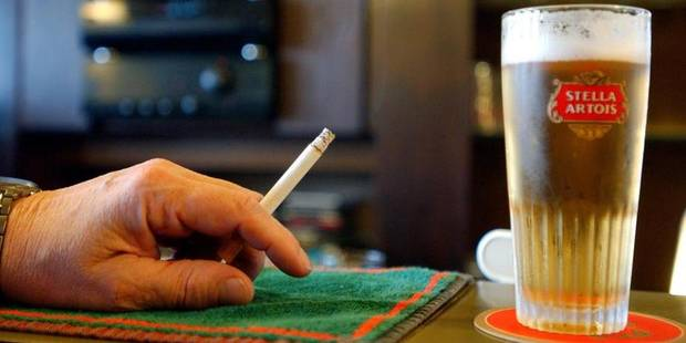 Un quart des cafés belges enfreignent encore la législation anti-tabac - La Libre