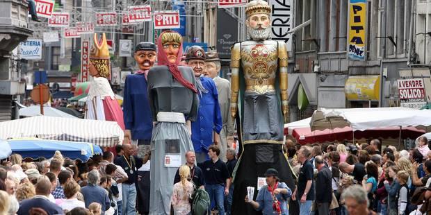 Bilan positif pour les festivités du 15 août à Liège, malgré la météo - La Libre