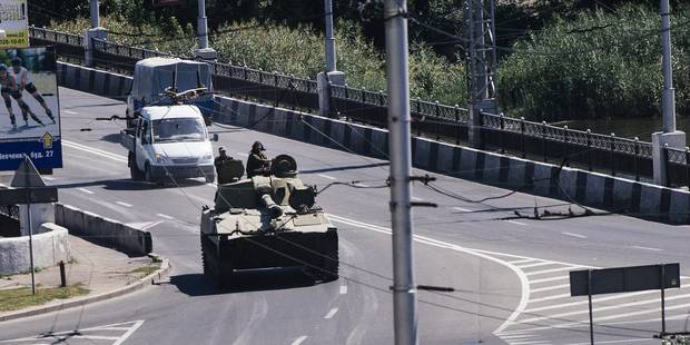 """Les forces ukrainiennes ont """"détruit"""" des blindés venus de Russie - La Libre"""