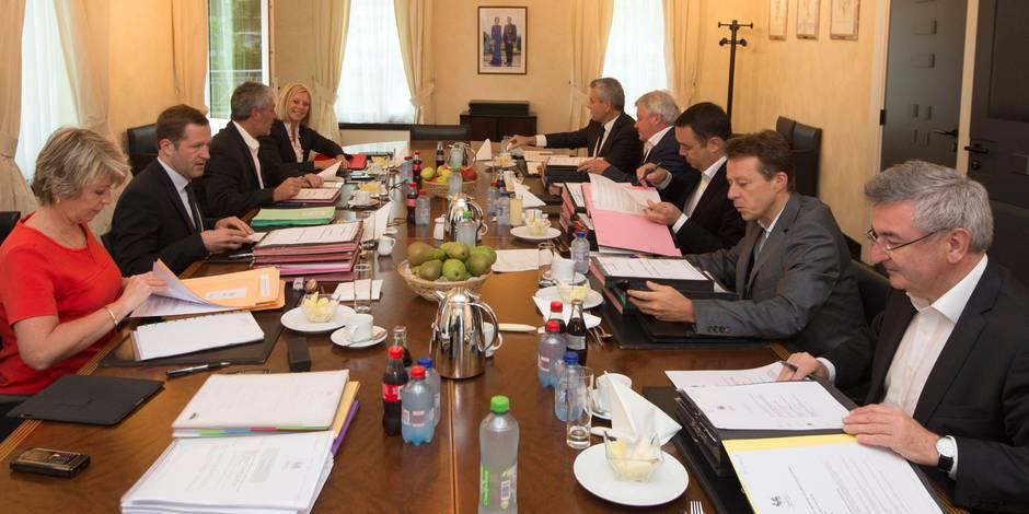 """""""Les ministres wallons pillent l'administration"""" - La Libre"""