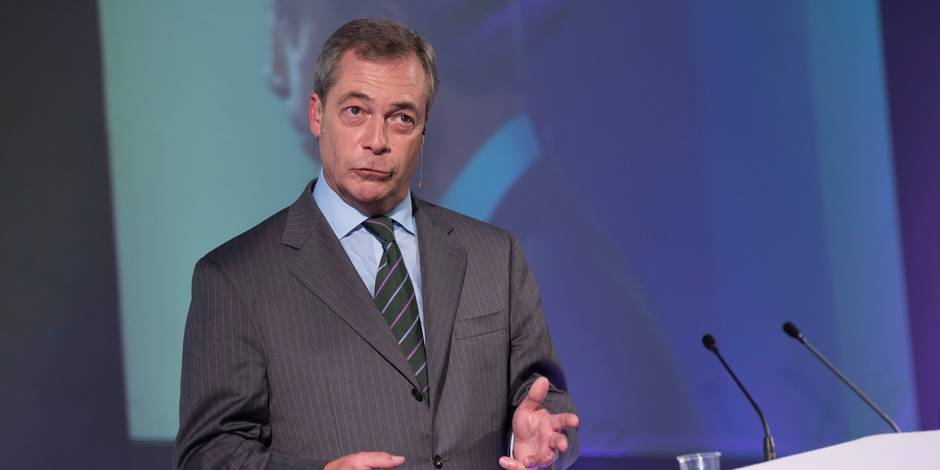 Dissolution du groupe europhobe dirigé par Nigel Farage au Parlement européen