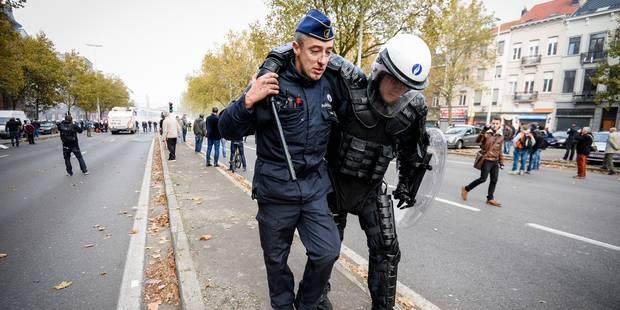 Destexhe : Depuis quand y a-t-il plus de blessés parmi les policiers que chez les manifestants ? - La Libre