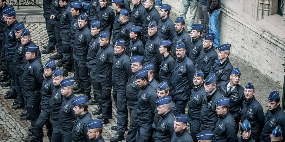 """Les policiers veulent """"bloquer le pays"""" le 12 décembre"""