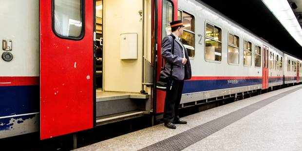 Grèves tournantes: le réseau de la SNCB et la STIB fortement perturbés le 8 décembre - La Libre