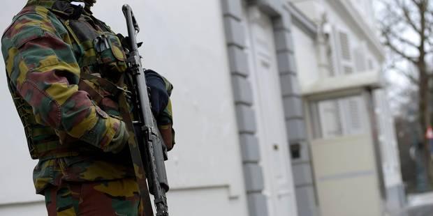 Les militaires déployés à Liège, Huy et Verviers devraient rester un mois - La Libre