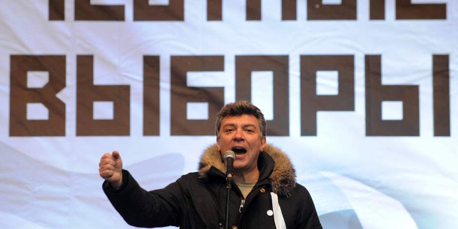 """L'opposant russe Boris Nemtsov a été tué par balle à Moscou, une """"provocation"""" selon Poutine"""