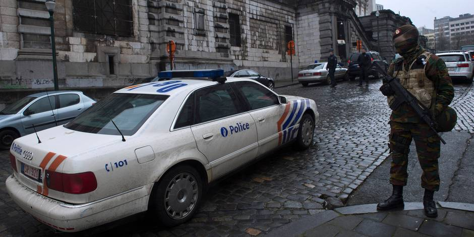 Attentat au Musée juif: Nacer Bendrer restera trois mois de plus en détention