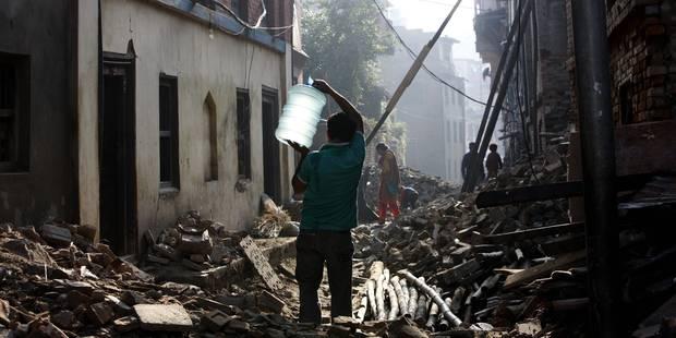 Séisme au Népal: le cap des 8.600 victimes dépassé - La Libre