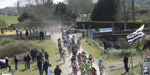 """Appel aux coureurs du Tour de France à propos des passages à niveau: """"Patience, vous n'en mourrez pas"""" - La Libre"""