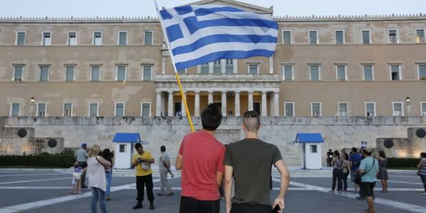 Mécontents, les fonctionnaires grecs appellent à la grève - La Libre