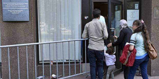 Le gourvernement s'accorde sur la création de 2.500 places supplémentaires pour les demandeurs d'asile - La Libre