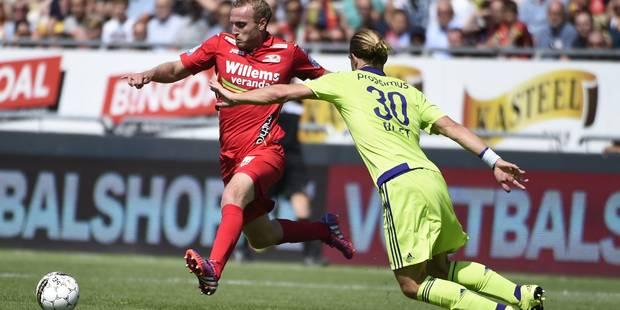 Ostende domine puis résiste à Anderlecht pour s'isoler en tête du championnat (3-1) - La Libre