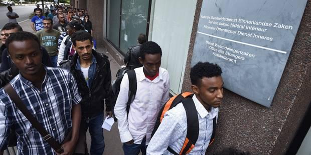 Asile : l'Office des étrangers a dû refuser 280 demandeurs d'asile ce lundi - La Libre
