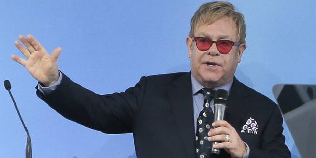 Elton John veut toujours parler à Poutine des droits des homosexuels - La Libre