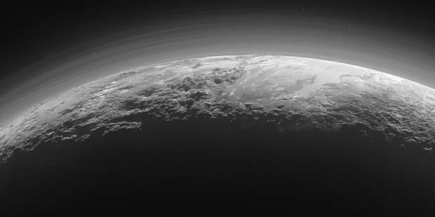 La Nasa publie de magnifiques photos de Pluton - La Libre