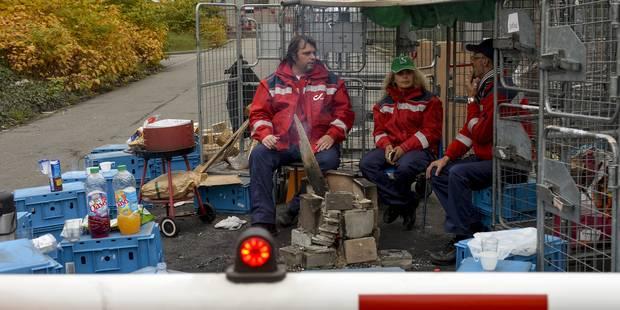 Grève bpost: Les centres de tri de Bruxelles, Charleroi et Liège toujours bloqués - La Libre