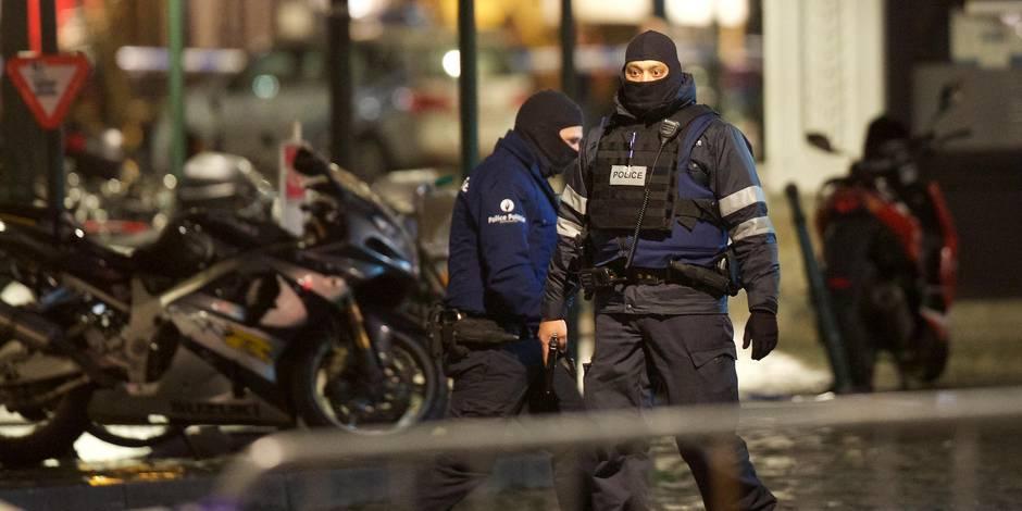 Des attentats déjoués dimanche ? Beaucoup de scepticisme et des critiques