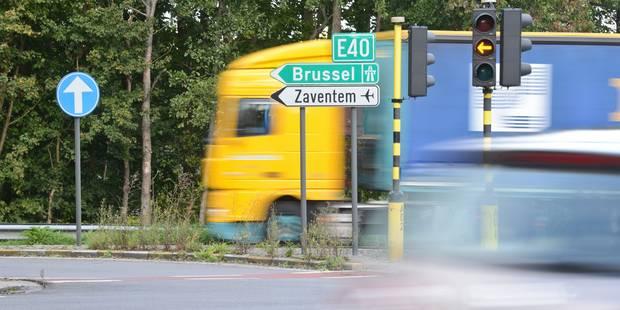 Sécurité routière: Jacqueline Galant veut simplifier le code de la route - La Libre