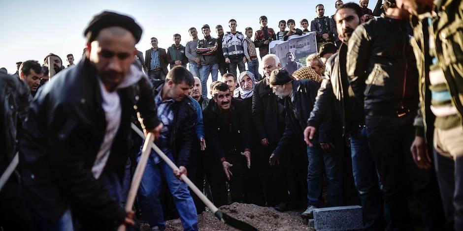 Des scènes de guerre en zone kurde en Turquie