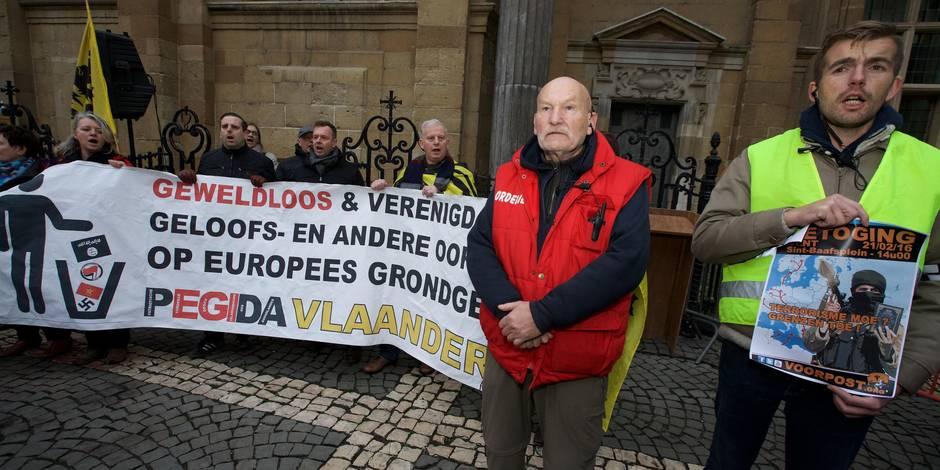 Des centaines de militants islamophobes manifestent à Anvers