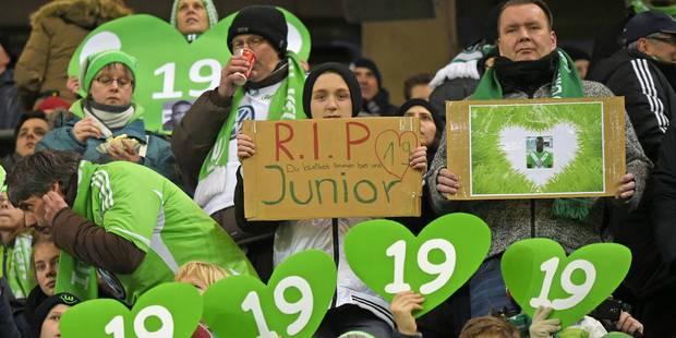 Wolfsburg rend hommage à Junior Malanda... - La Libre