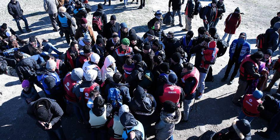 Crise des migrants : quelque 30.000 réfugiés syriens massés à la frontière turque