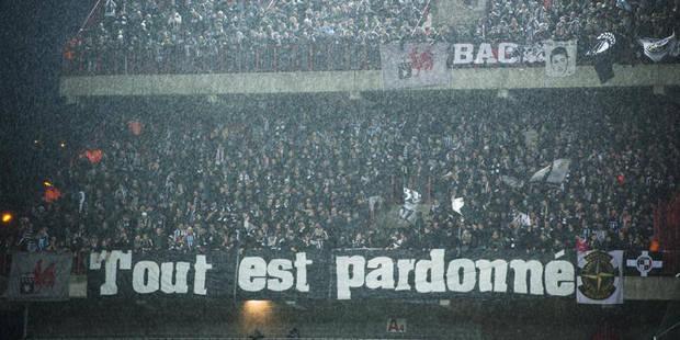La banderole très fair-play des supporters carolos (PHOTO) - La Libre