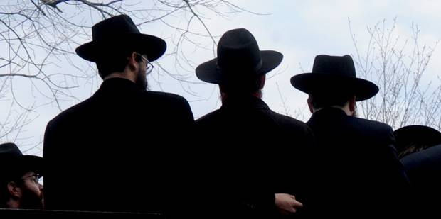 Un rabbin et son beau-frère victimes de jets de pierres à Forest - La Libre