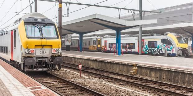 Les 500 voyageurs bloqués 3 heures dans le train ont été évacués - La Libre