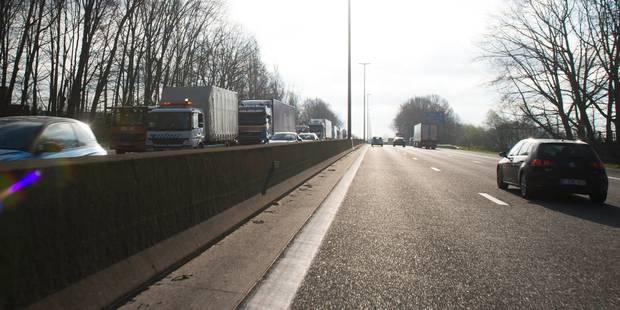 Une bande de circulation de la E40 à hauteur de Sterrebeek est dégagée - La Libre