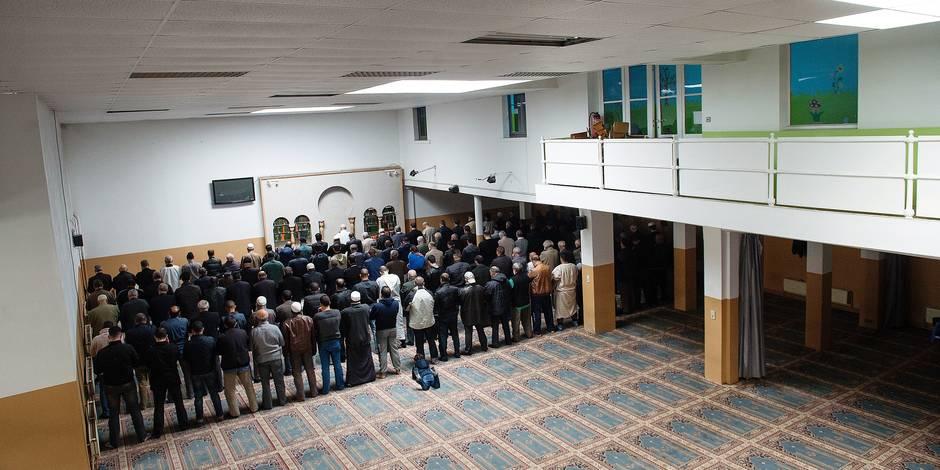 Bruxelles - Molenbeek: Prière à la Mosquée Al Khalil un mardi après-midi