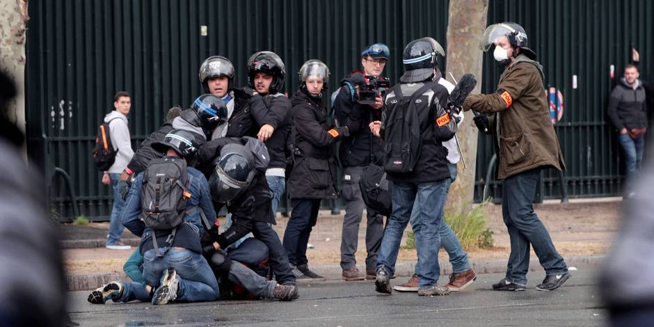 En France, la haine des policiers reste l'affaire d'une minorité