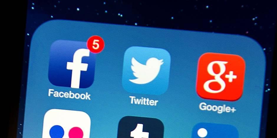 """Facebook et Twitter signent un code de bonne conduite contre les """"discours de haine"""""""