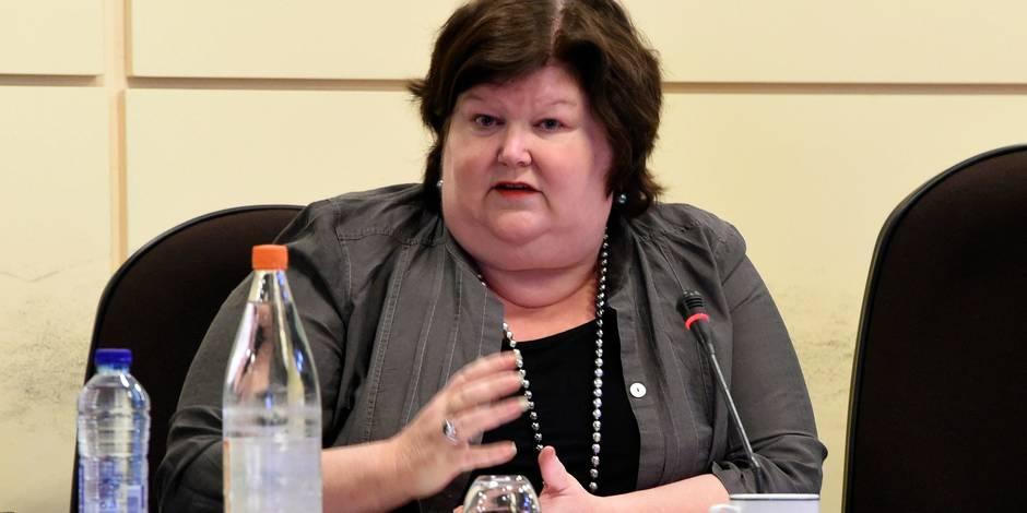 Maggie De Block veut des sanctions pour les malades de longue durée