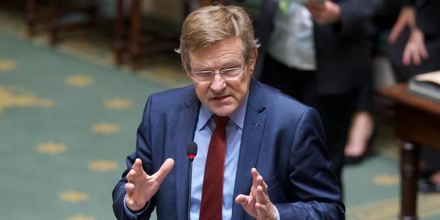 Taux nul sur l'épargne: le ministre Van Overtveldt veut garantir le taux minimum pour les particuliers - La Libre